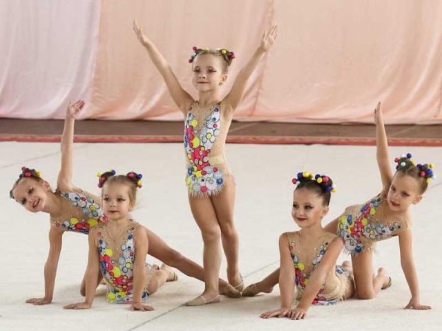 Художественная гимнастика для детей с 3 до 4 лет
